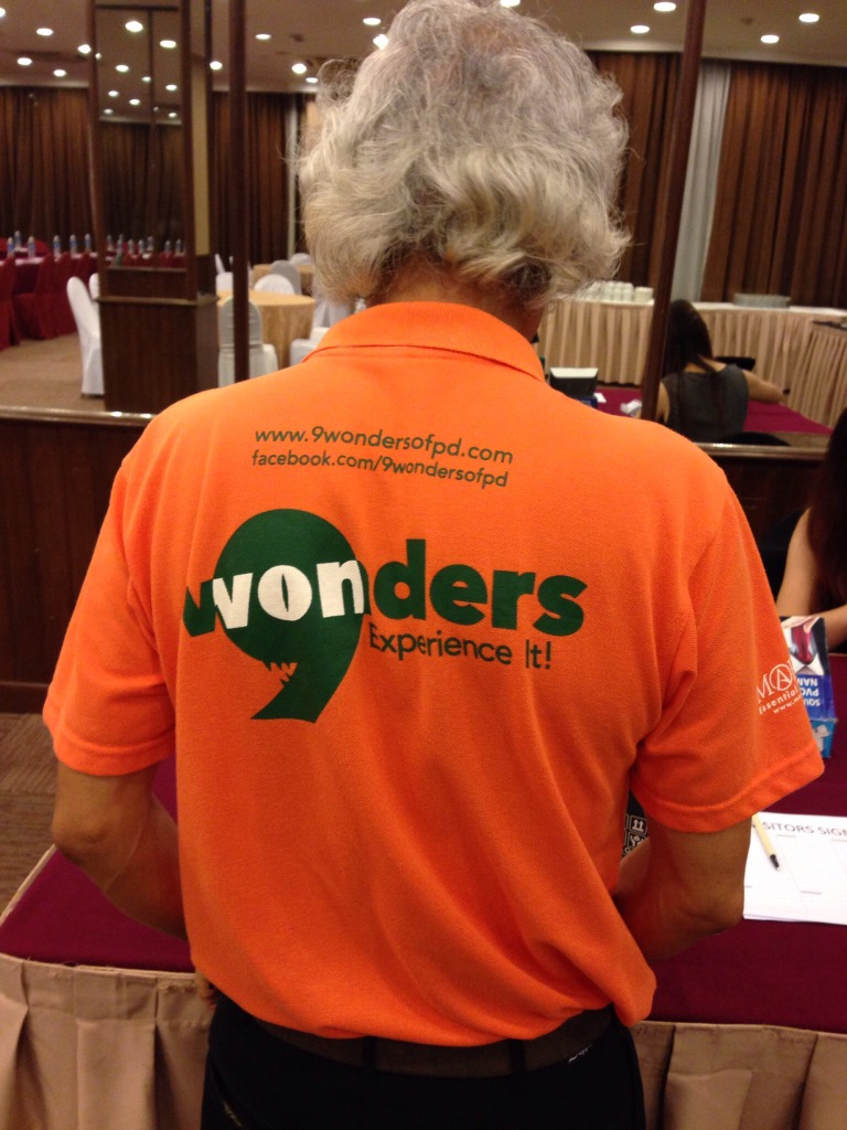 T-shirt with 9 Wonders logo